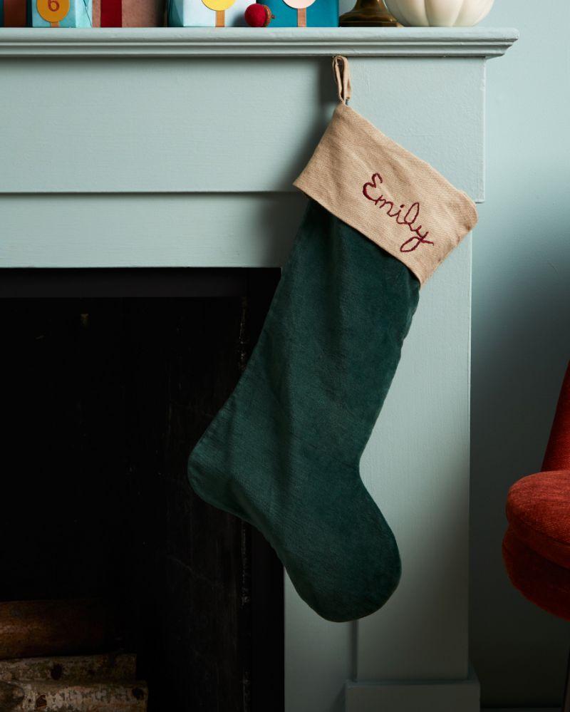 Новогодний сапожок с вышивкой