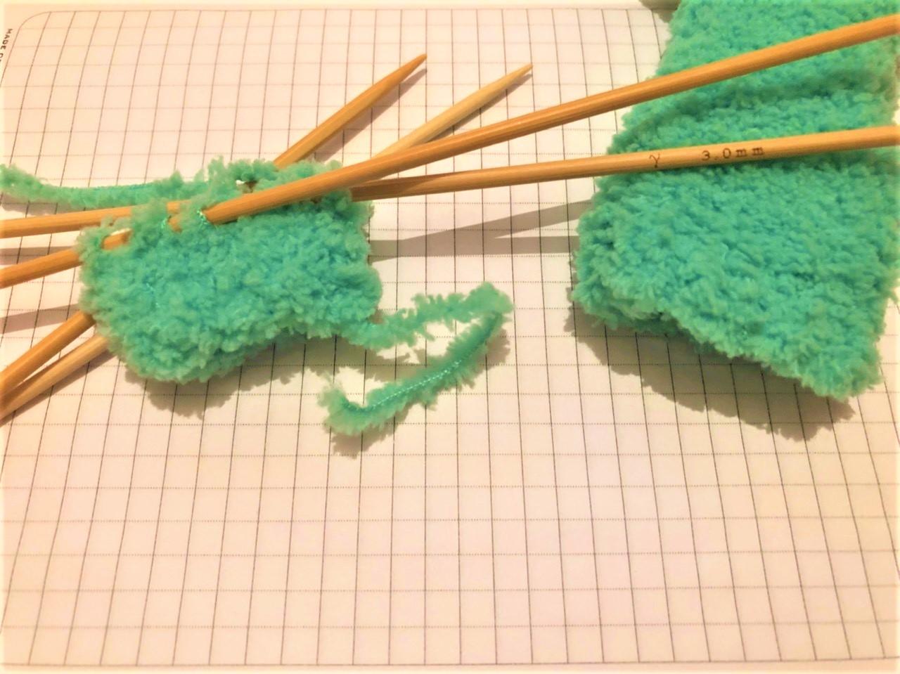 Вязание из плюшевой пряжи для новорожденных