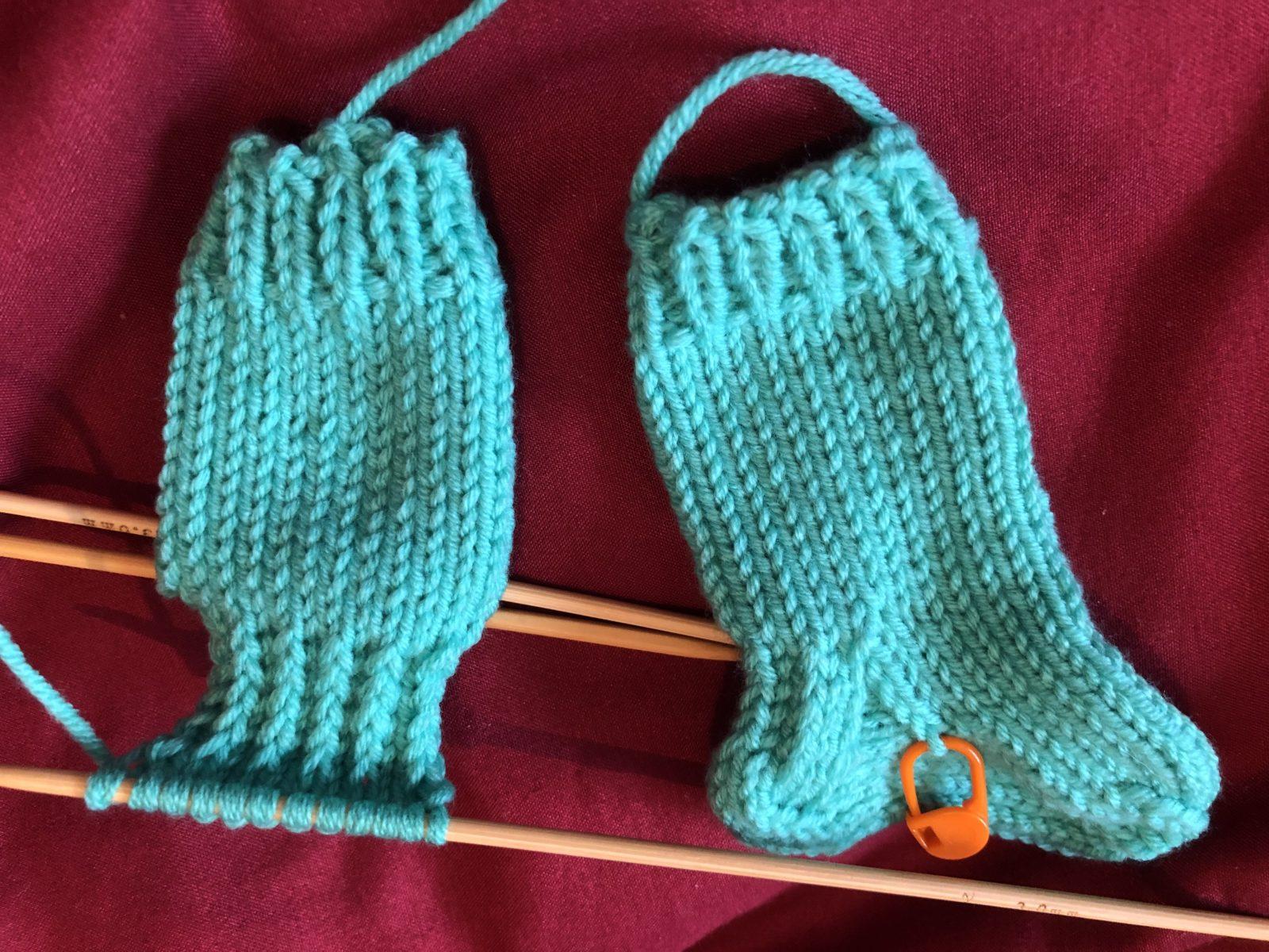 Носки для новорожденных спицами