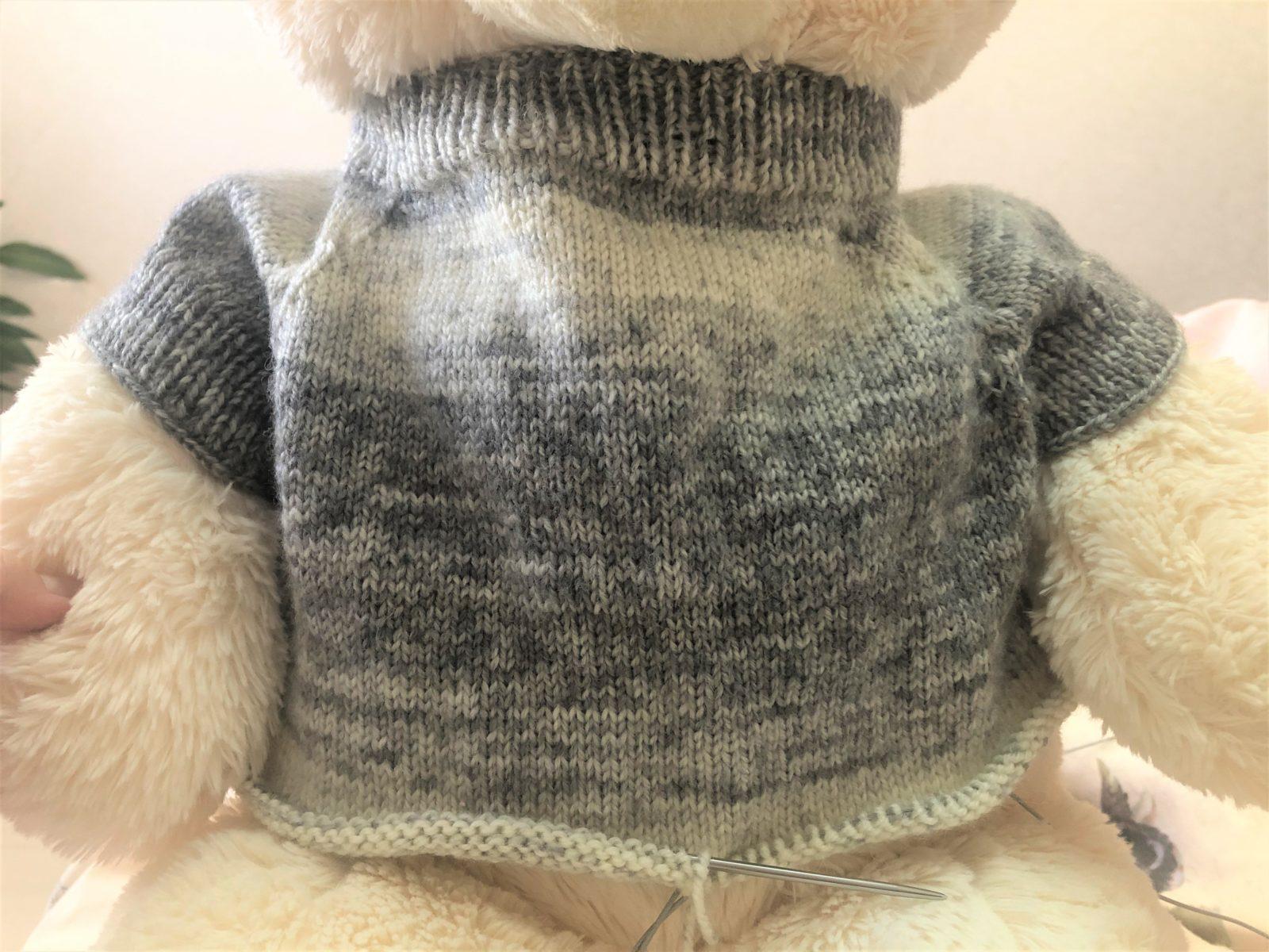 Кофточка на плюшевого медведя спицами