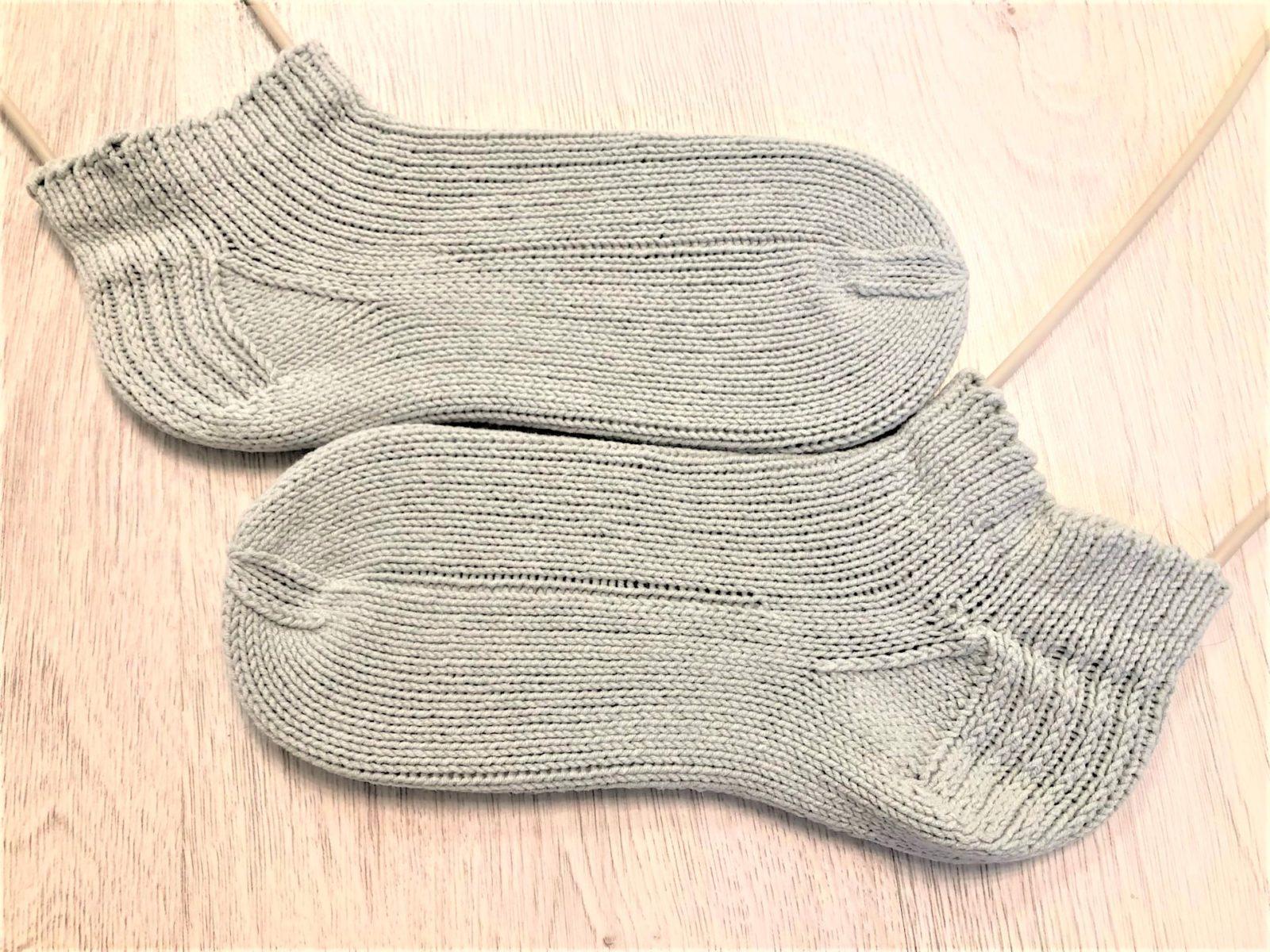 Спортивные носки на чулочных спицах