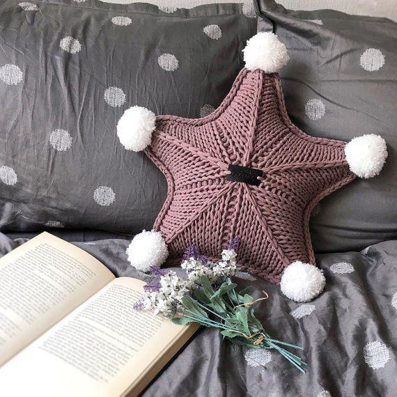 Звезда из трикотажной пряжи
