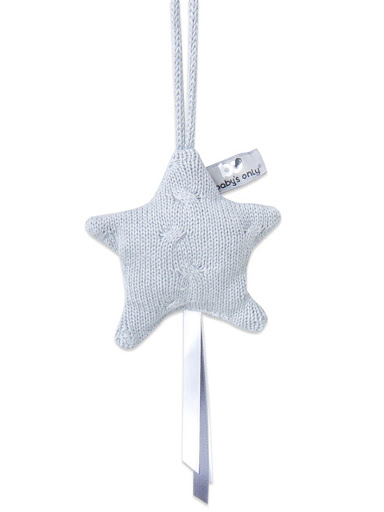 Вязаная звезда для детской комнаты